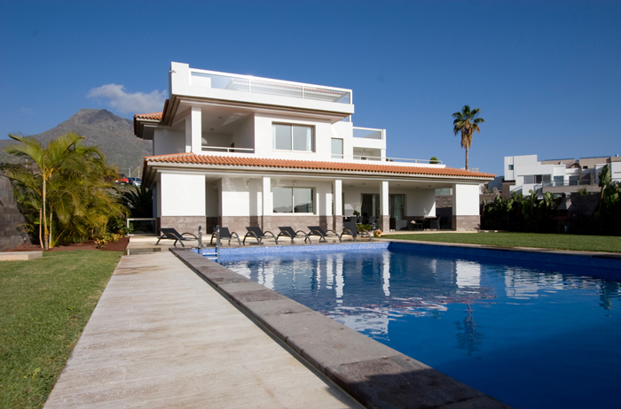 Tenerife holiday villas parque santiago apartments golf for Villas el tio mazamitla
